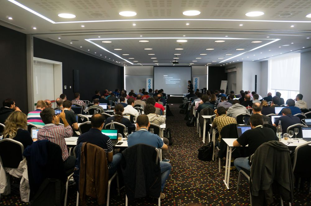 Barcelona CLOUDADMINS Month I: OpenNebula Conf (21-22/10)